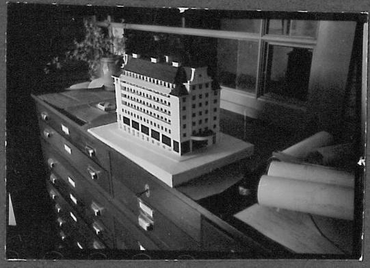 Modellen av Gjessinggården (1936): arkitekt Grungs bidrag på Strandkaien.